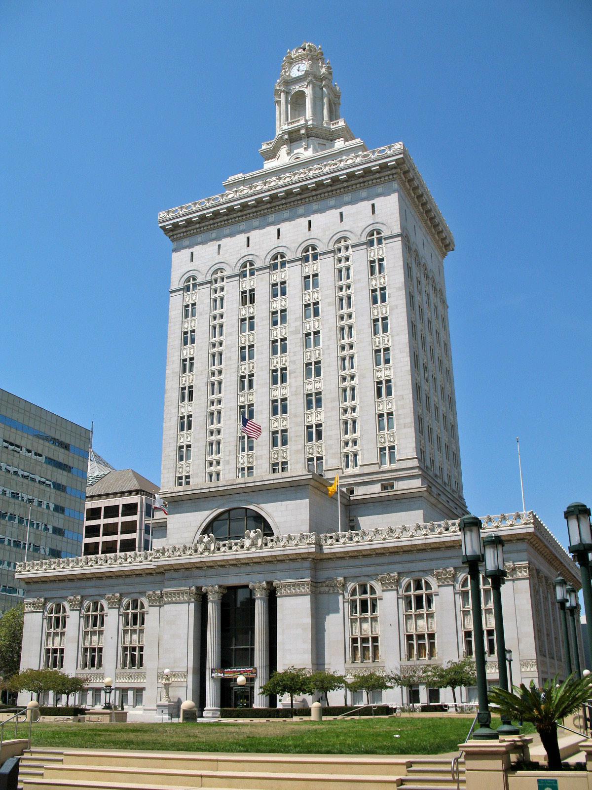 Oakland City Hall Building